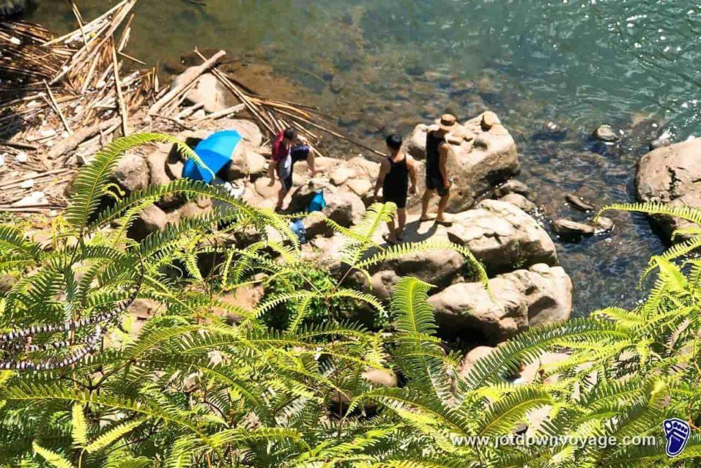 平溪、嶺腳石窟大瀑布上游:瀑布步道路線指南:平溪秘境一日遊
