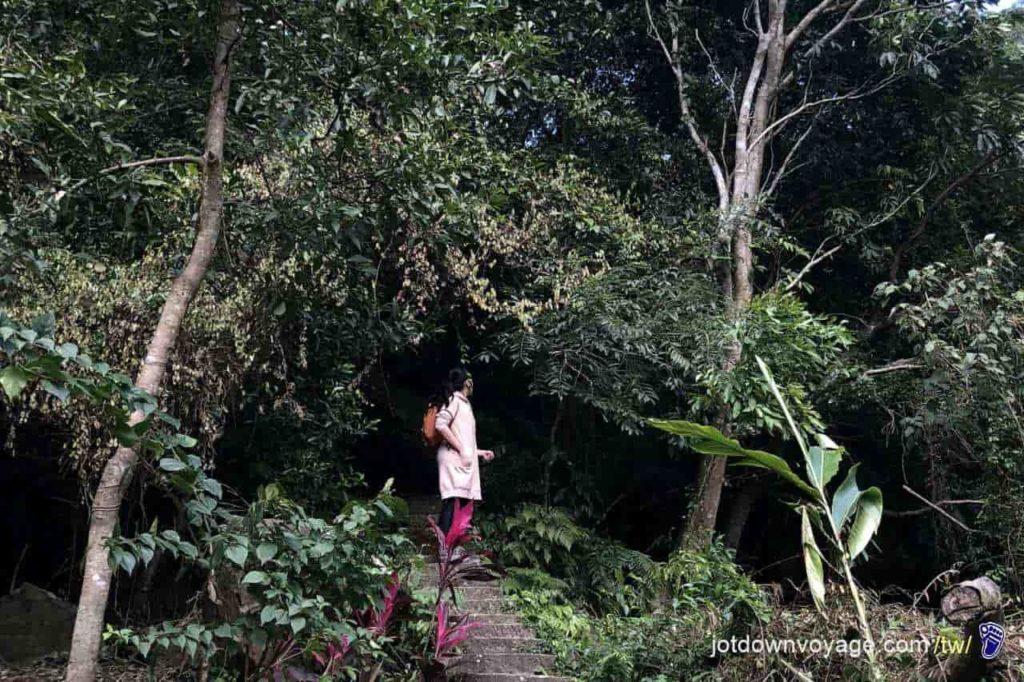 台北市內湖登山步道:圓覺寺 Hiking in Taipei