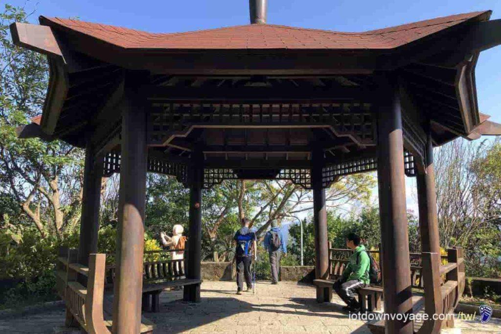 台北市內湖登山步道:忠勇山、碧山巖 Hiking in Taipei