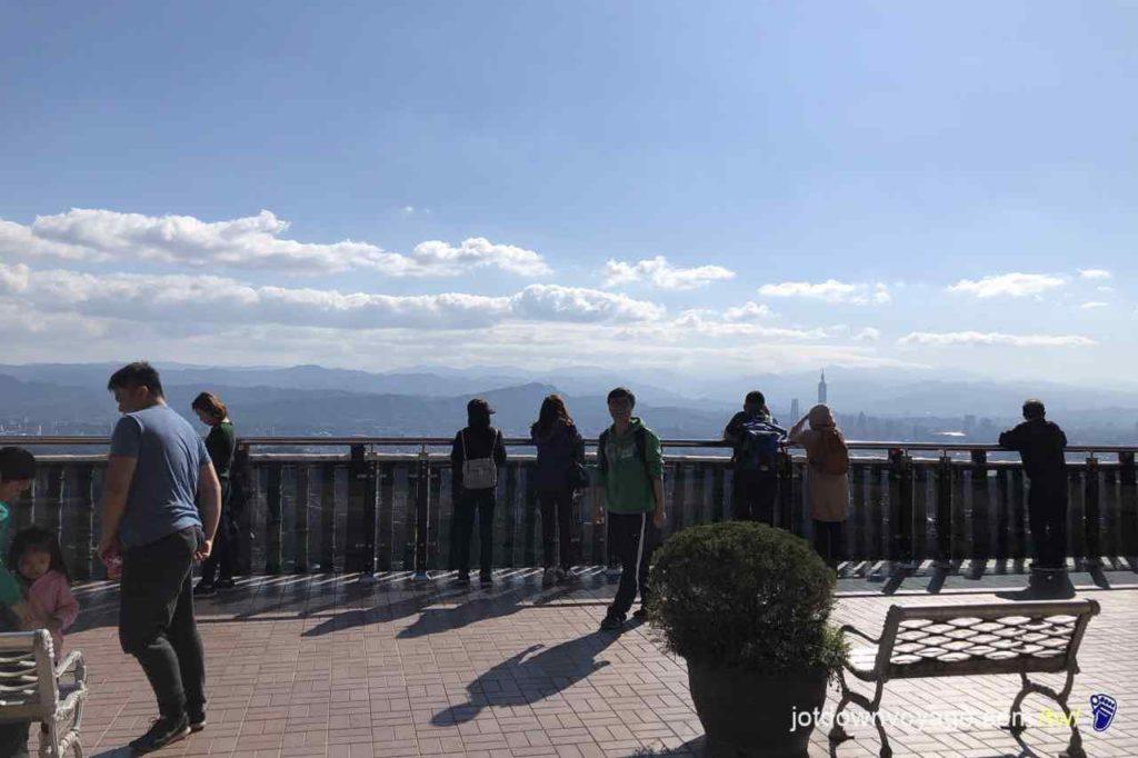 台北市內湖登山步道:碧山巖:開漳聖王廟 Hiking in Taipei