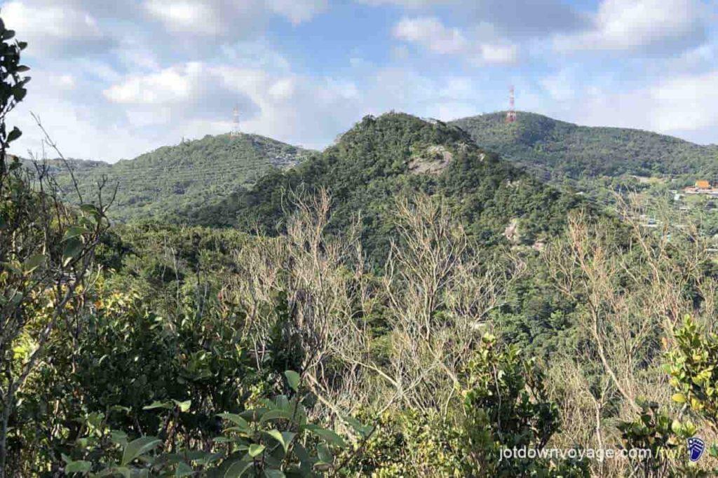 台北市內湖登山步道:鯉魚山東峰 Hiking in Taipei