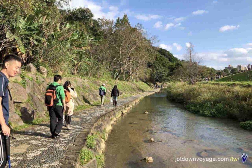 台北市內湖登山步道:大溪溝親水公園 Hiking in Taipei