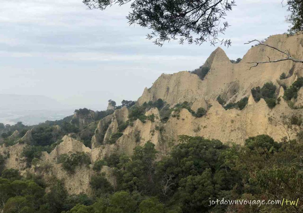火炎山登山步道-惡地、第二展望點Huoyanshan Hiking Guide