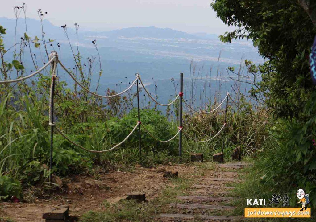 馬那邦山山頂、登山步道