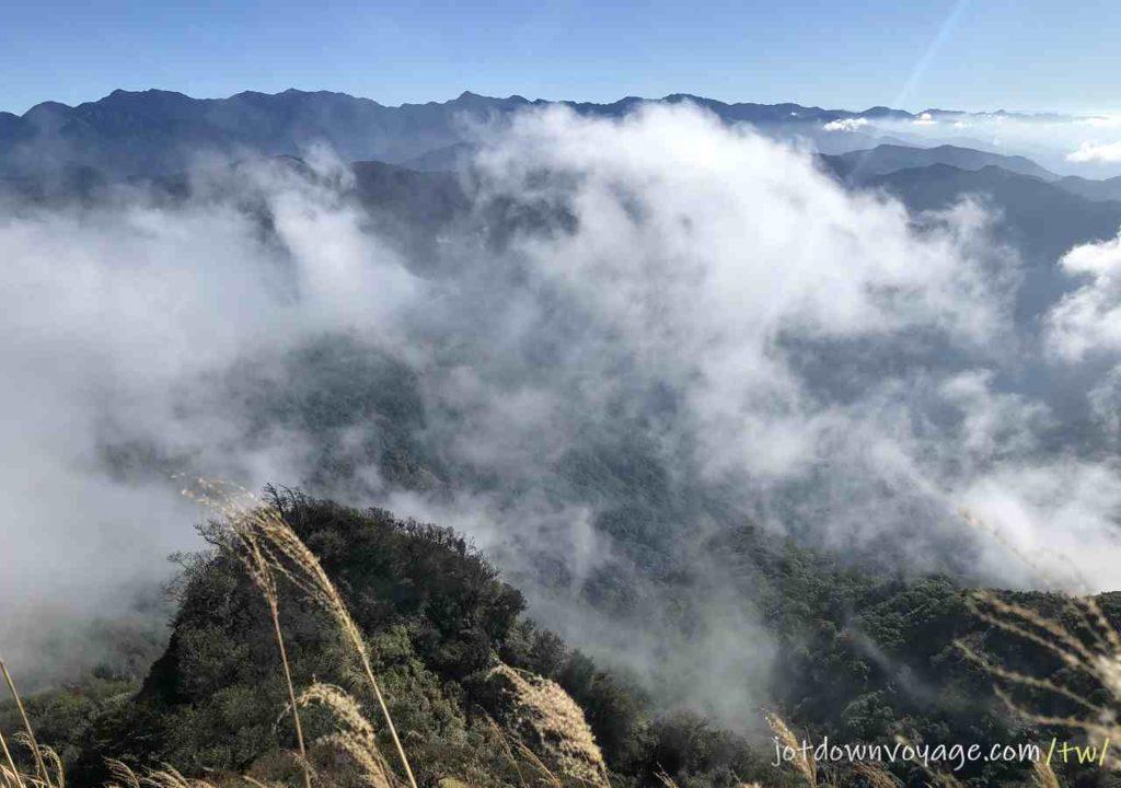 眺望雪山聖稜線|台灣秋冬一日遊登山路線