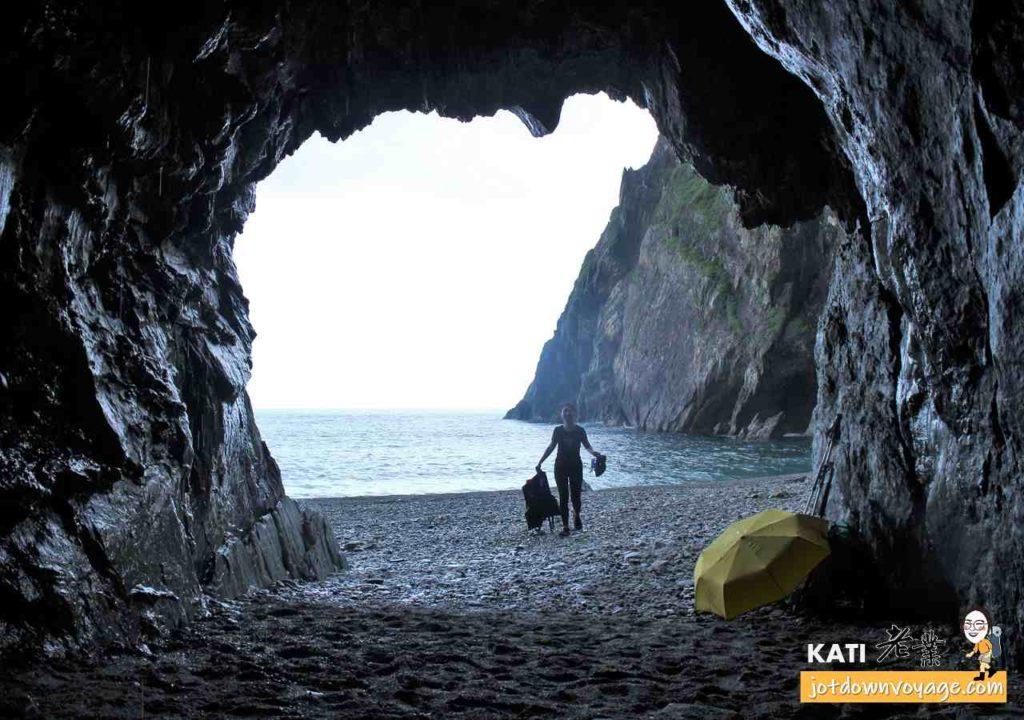 烏岩角攀岩、海蝕洞