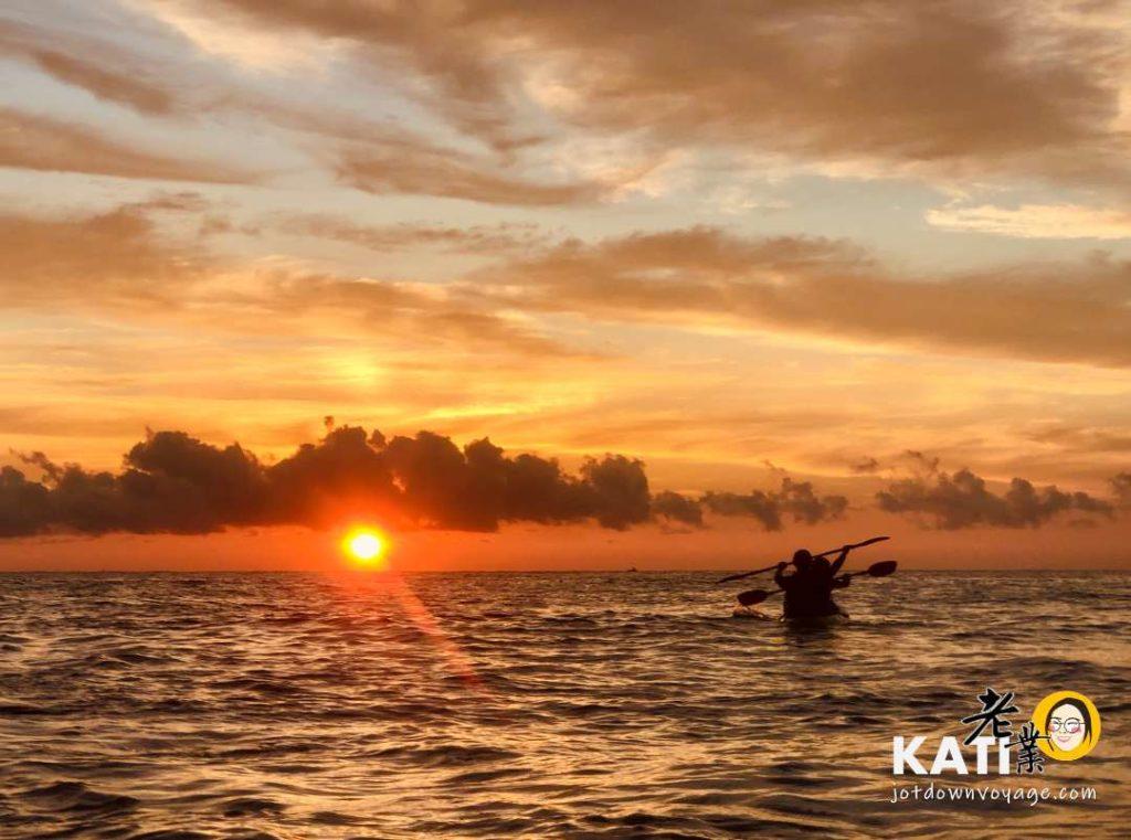 划獨木舟在海上看日出(東奧海灣)