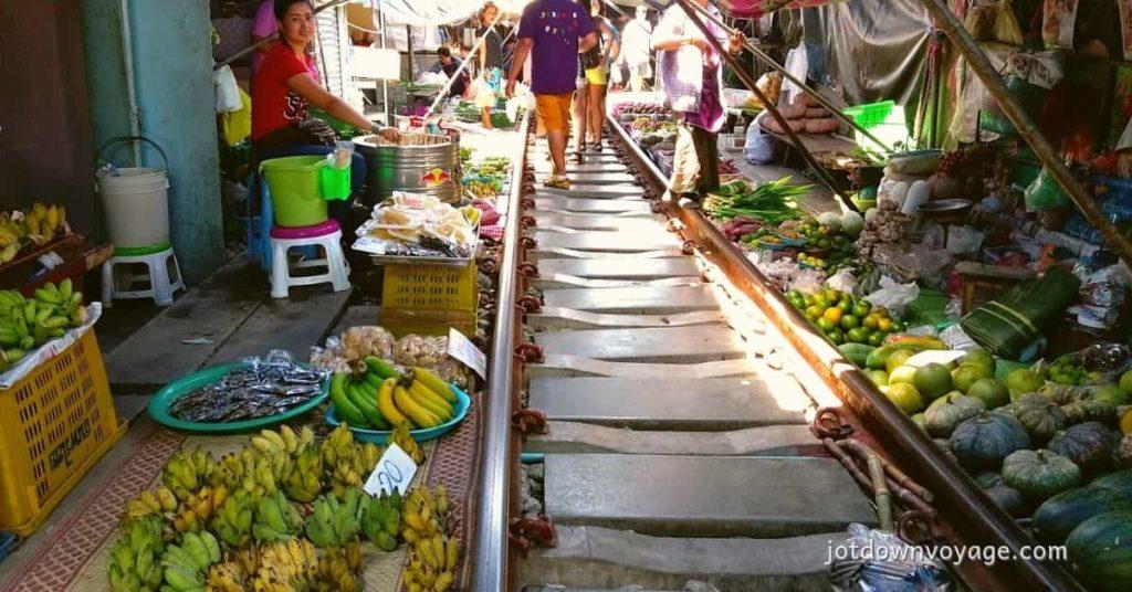 2019 泰國自由行,曼谷 24 個超人氣必去景點推薦《新手全攻略》:美功鐵道市集(Maeklong Railway Market)