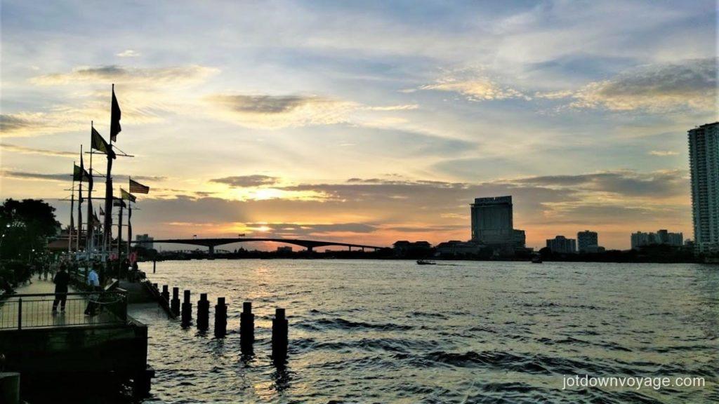 曼谷自由行-昭披耶河遊船自助晚餐推薦:昭披耶河公主號|碼頭夜市 Chao Phraya Princess Cruise Dinner Buffet  Guide