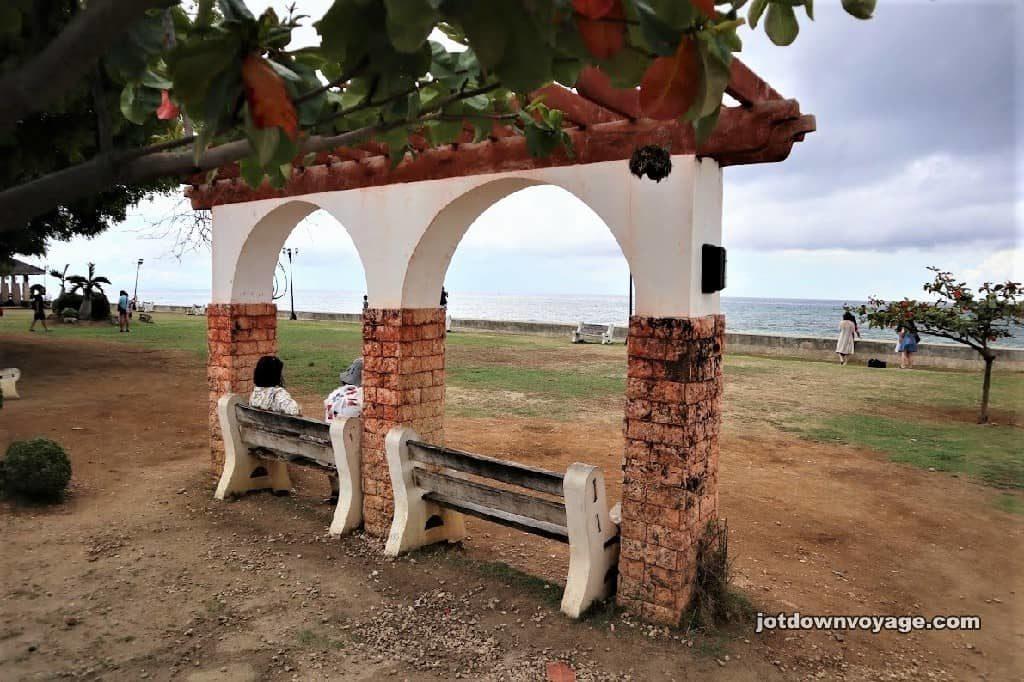 宿霧自由行,KKday賞鯨鯊行程評價和心得推薦|Oslob的西班牙殖民建築之遺蹟公園