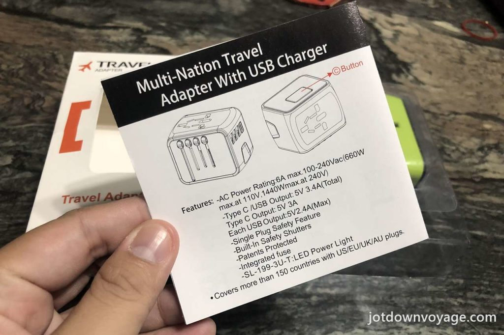 Multi-Nationa Travel Adapter with USB Charger 有USB充電功能的多國旅行插座