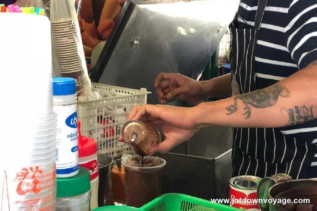 冰可可 Coco Yen|泰國自由行街邊小吃美食推薦