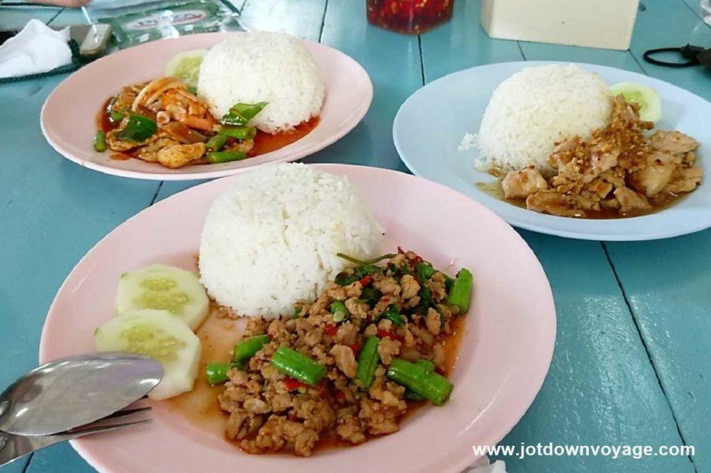 打拋豬飯|泰國自由行街邊小吃美食推薦
