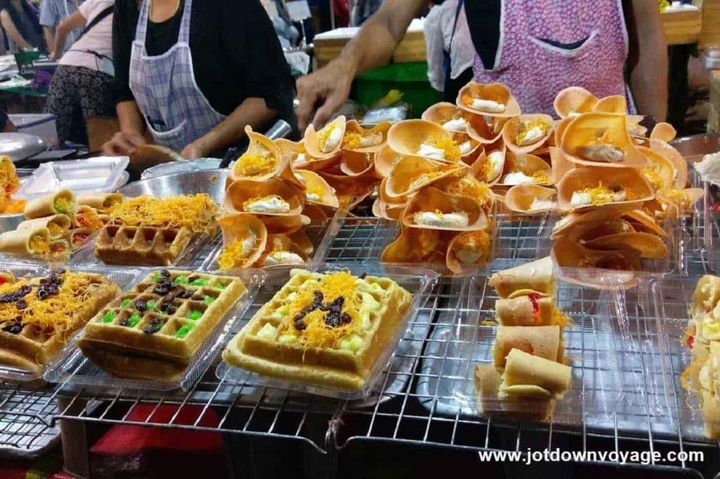 椰絲煎餅 ขนมเบื้อง|泰國自由行街邊小吃美食推薦