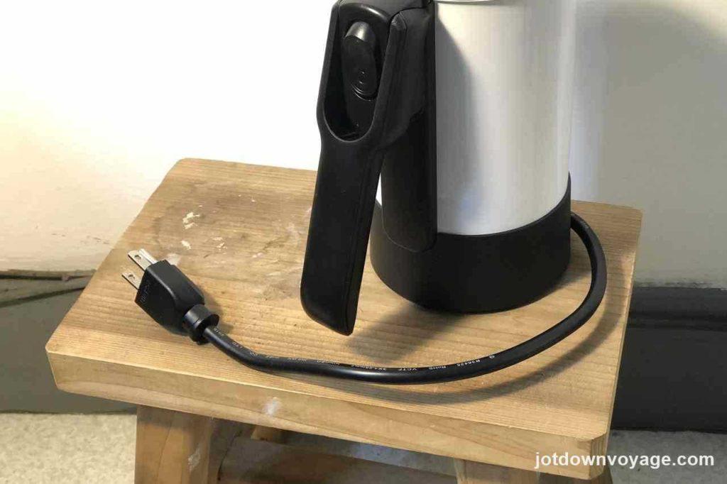 超小瓶身:KINYO 雙電壓0.6L旅行快煮壺 AS-HP80 2020快煮壺推薦