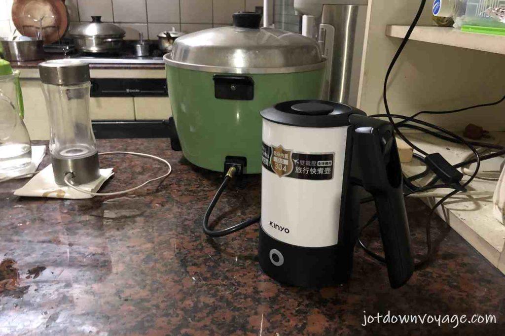 輕巧家用 KINYO 雙電壓0.6L旅行快煮壺 AS-HP80 2020快煮壺推薦