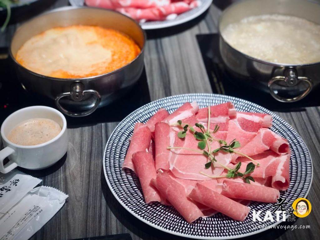 主餐——新莊美食《胡叻南洋精緻火鍋》食記評價