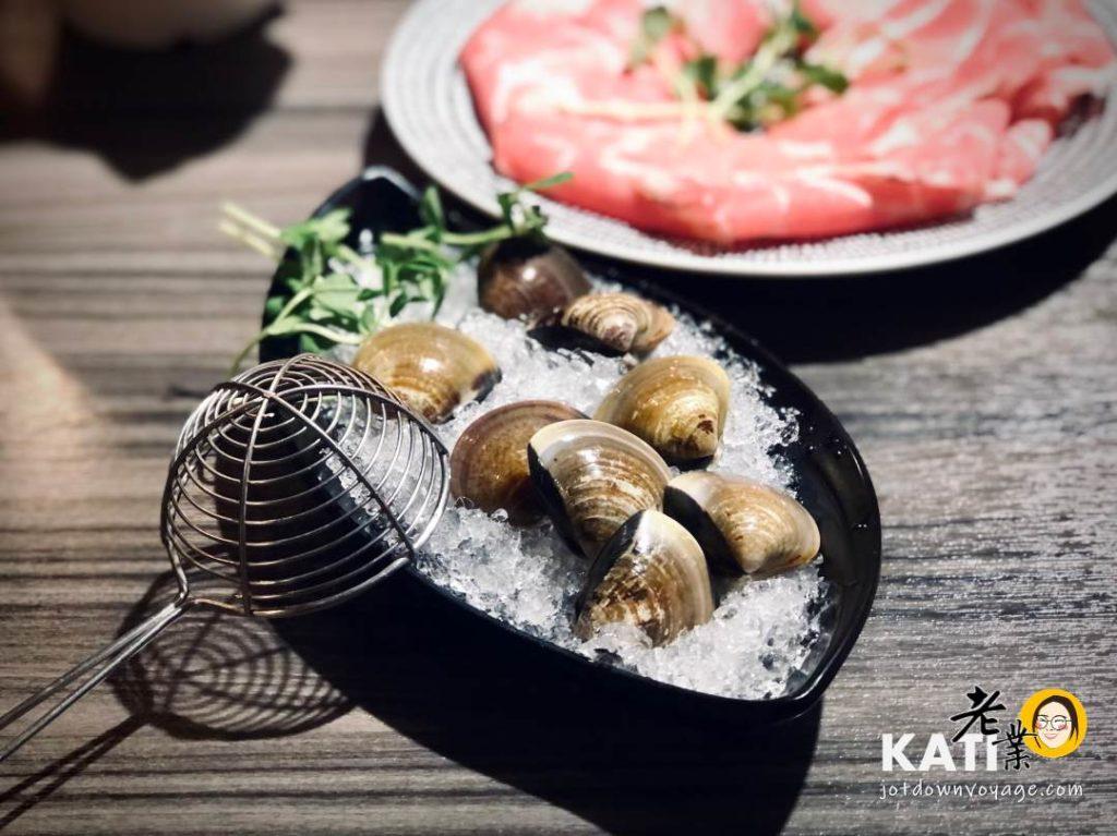 蛤蜊盤——新莊美食《胡叻南洋精緻火鍋》食記評價
