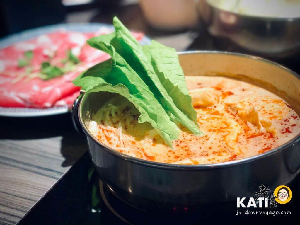 馬來西亞風味 叻沙火鍋——新莊美食《胡叻南洋精緻火鍋》食記評價