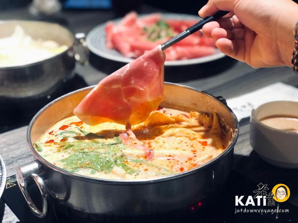叻沙——新莊美食《胡叻南洋精緻火鍋》食記評價