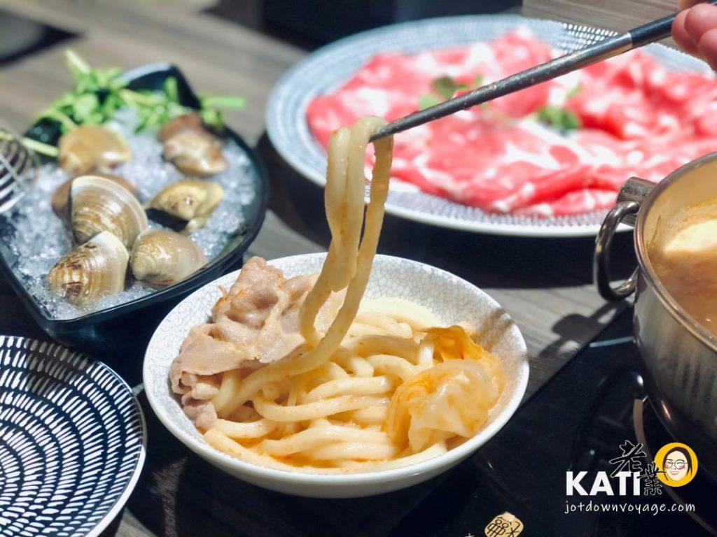 附餐——新莊美食《胡叻南洋精緻火鍋》食記評價